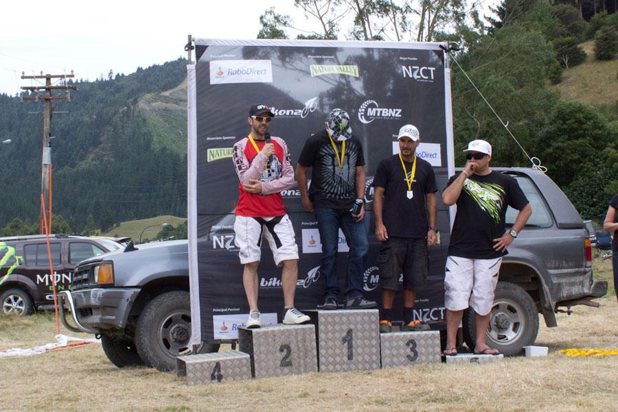 national-series-DH-jono-podium
