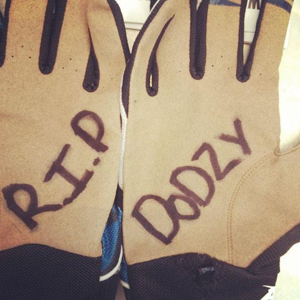 Brooks-gloves